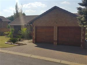 3 Bedr Townhouse to Rent - Equestria (Pta East)