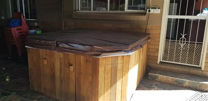 Jacuzzis with cover