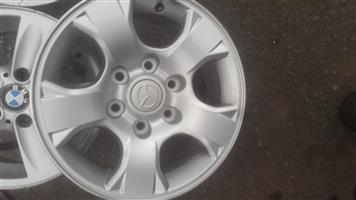 mazda BT50 original alloy mags size 16 aset