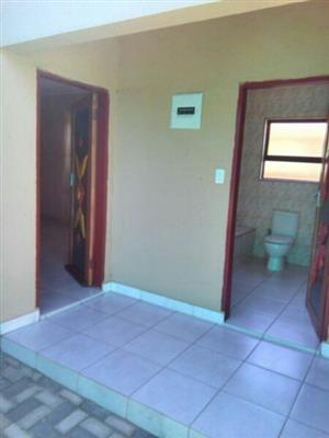 Very Spacious Garage Plus A Room To Rent Separately