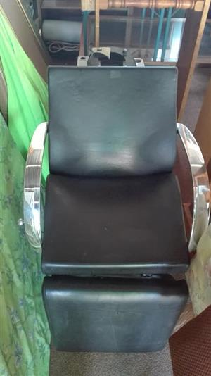Black leather salon chair