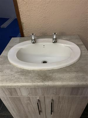 Bathroom washbasin cabinet combo