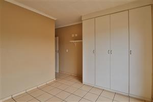 TOWNHOUSE TO RENT IN SECURE COMPLEX
