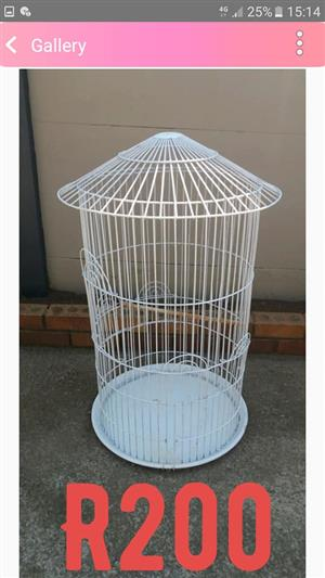 White round well type parrot cage