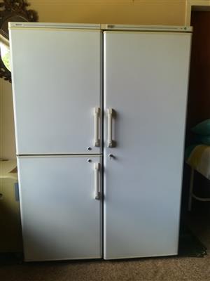 Side by side Fridge freezer 590L