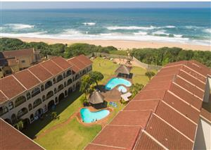 DURBAN DECEMBER RENTAL - SELF-CATERING - RIGHT  ON T BEACH-MAX6-GROUND FLOOR -24 HR SEC-WINKELSPRUIT-AMANZIMTOTI