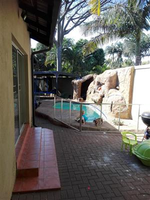 Florauna, Pretoria North Modern, well maintained,tiled roof, 185 m2 house on 1,241 m2 stand. 3Bedrooms, lapa, swimming pool