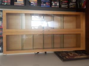 Display cases /book cases