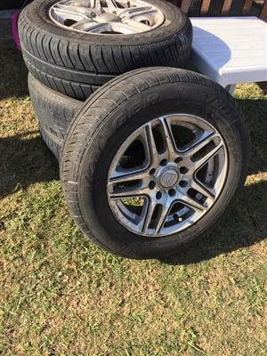 4 Tyres and rims