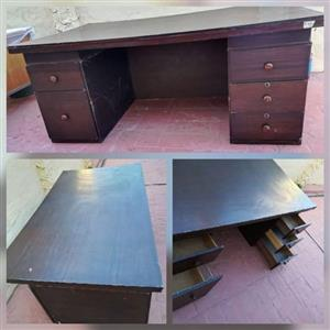 LARGE OFFICE TABLE WITH DRAWS