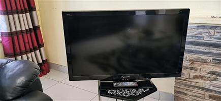 Panasonic 32inch Full HD TV