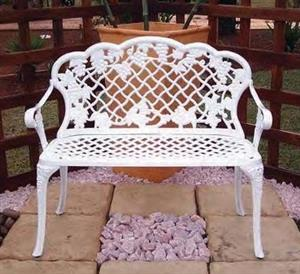 Cast aluminium garden patio table and chairs for sale