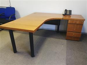 L shape desk cherry wood with a pedestal