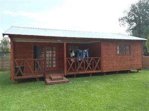 2 bedroom Log House/Cabin for sale