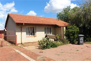 House for sale in Jan Niemand Park