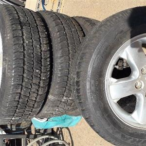 jeep mag wheel with tires size 17