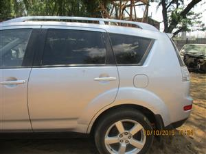 MITSUBISHI OUTLANDER STRIPPING FOR SPARES