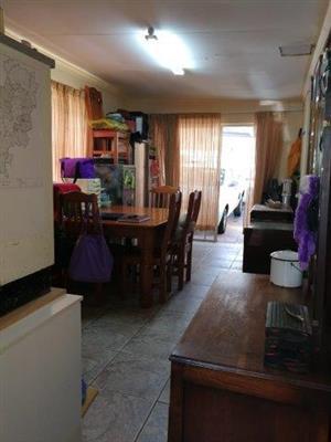 1 bedroom garden cottage for rent