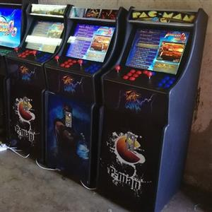 Full stand arcade game