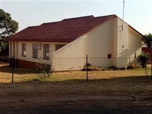 3 BEDROOMS HOUSE FOR SALE TASBET PARK EXT 1 CALL SOPHY @ 076 081 3571 FOR MORE INFO
