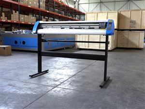 R415/m V3-1667 AM Equipments Rental: V-Smart Plus Automatic Contour Cutting Vinyl Cutter