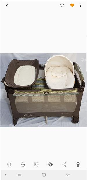 Graco Pack and Play Newborn Napper