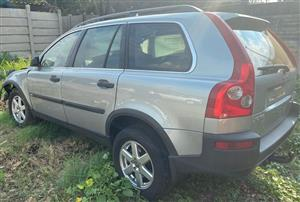 Volvo XC90 2005 2.5lt awd Stripping for spares