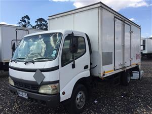 Toyota Dyna Stepping Loader Closed Bin 2004 Pre-Owned Truck