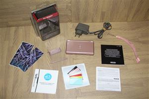 Nintendo DS lite pink console