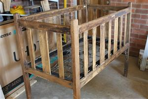 TODDLER'S COT