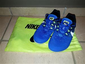Nike Zoom Rival MD 8 Athletics Spikes