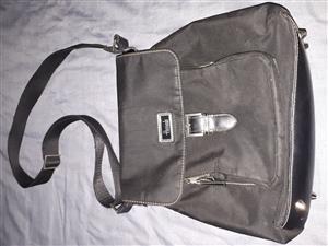 Unisex slingbag from Harrods