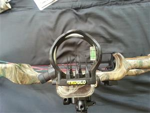 Reflex Hoyt Compound Bow