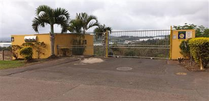 avoa durban. gated townhouse complex. free standing 3 bed 2 bath house to let i/11/2019