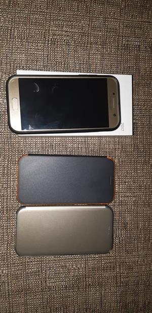 2017 Samsung galaxy A5 gold for sale