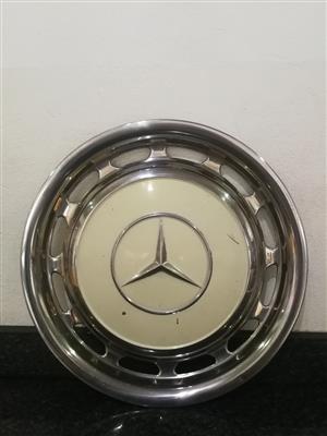 Mercedes Benz Cream Hub Cap