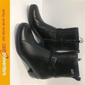 ladies IXS boots