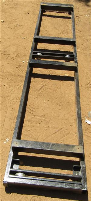 Movable False Floor Frame