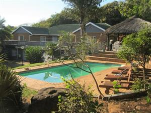 10 Bedroom House with Swimming Pool and Lapa for sale in Port Edward.