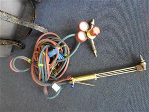 Cutting Torch + Gauge Equipment
