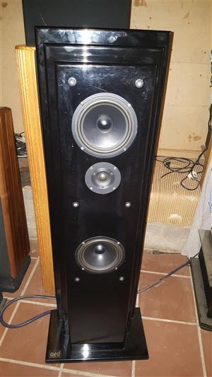 ARD AURA TOWER LOUDSPEAKERS