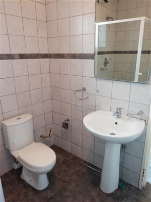 Flatlet in Waterkloof Glen available for rent to single person