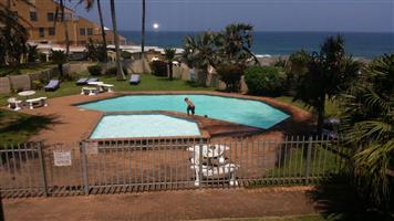 6 SLEEPER BEACHFRONT APARTMENT OPEN FOR SEPT,MATRIC RAGE AND XMAS HOLIDAYS