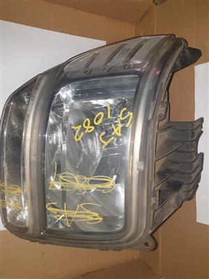 DODGE NITRO HEAD LIGHT (FOR SALE)