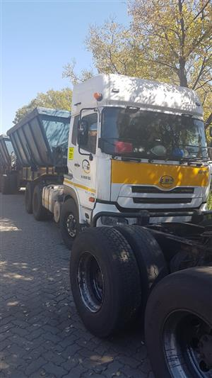 1 x 34Ton Side Tippers for rent - R72 000 per month