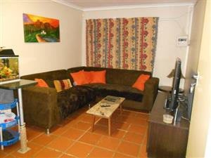 QUINT TWO BEDROOM GARDEN COTTAGE TO RENT IN CAPITAL PARK  N891