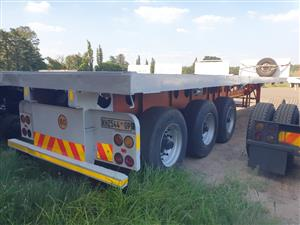 2006 Afrit Tri-axle Flatdeck Trailer - (Viewing by appointment only)