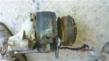 Mercedes W123 Airconditioning Compressor