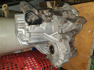 Used Elantra J2 5-speed gearbox for sale