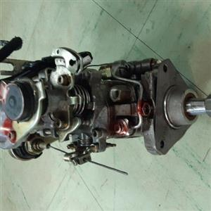 Fully overhauled and calibrated Mahindra 2,5 diesel pump for sale